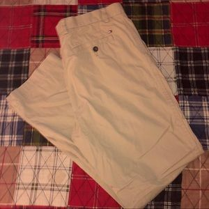 Tommy Hilfiger Custom Fit Chino Pants (34Wx32L)